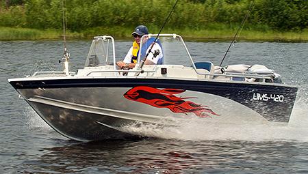 Катер «UMS 420 PL»