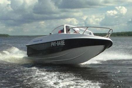 Моторная лодка «Афалина 460»