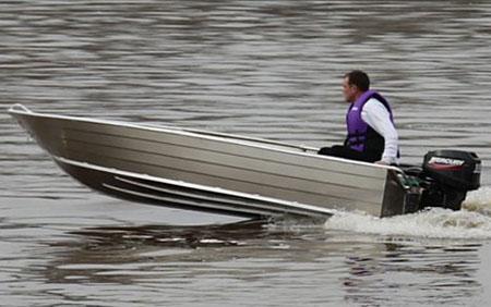 Моторно-гребная лодка «Bester 390»