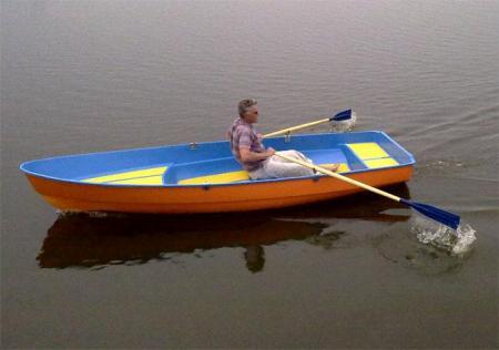Стеклопластиковая лодка для проката «Фантазия»