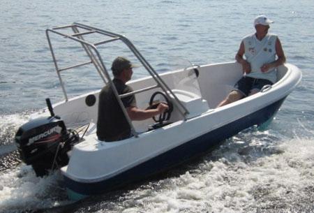 Пластиковая моторная лодка «Легант 350»
