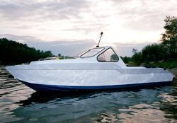 Моторная лодка «Amadeus 6»