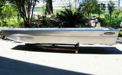Алюминиевая плоскодонная лодка «Laker Angler 400»